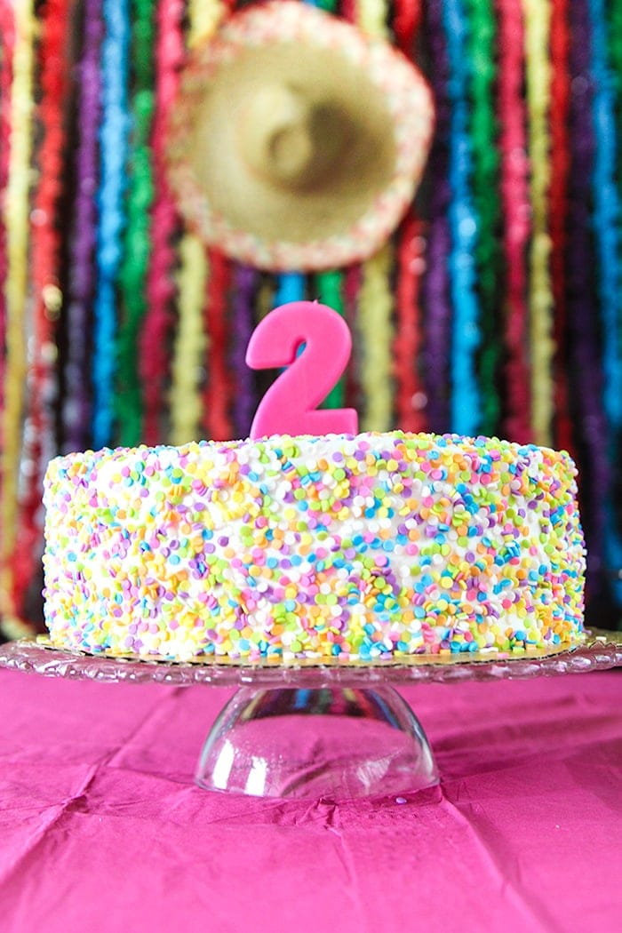 Adorable fiesta birthday party! Great idea for a 2nd birthday party