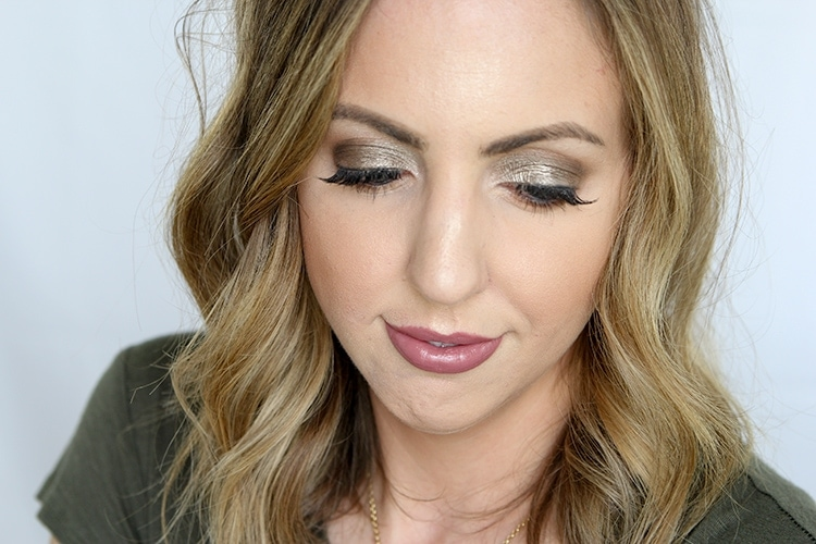 Fall beauty trends anyone can pull off - metallic eyeshadow