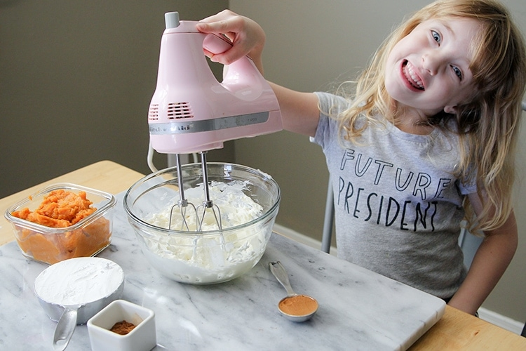 let's make some pumpkin cheesecake dip!