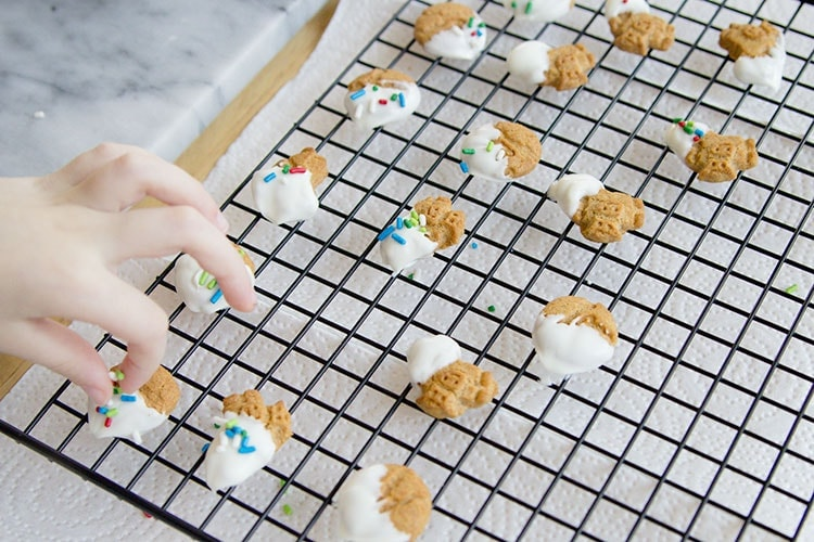 kid friendly treats for Christmas - white chocolate covered grahams with sprinkles
