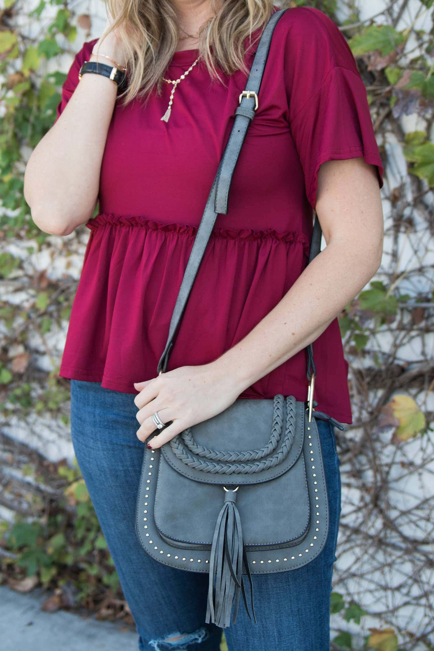 love this burgundy top for fall, and this saddle bag is a total dupe for the Chloe saddle bag!
