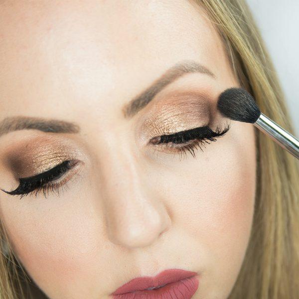 Eyeshadow Tutorial for Beginners – Step by Step