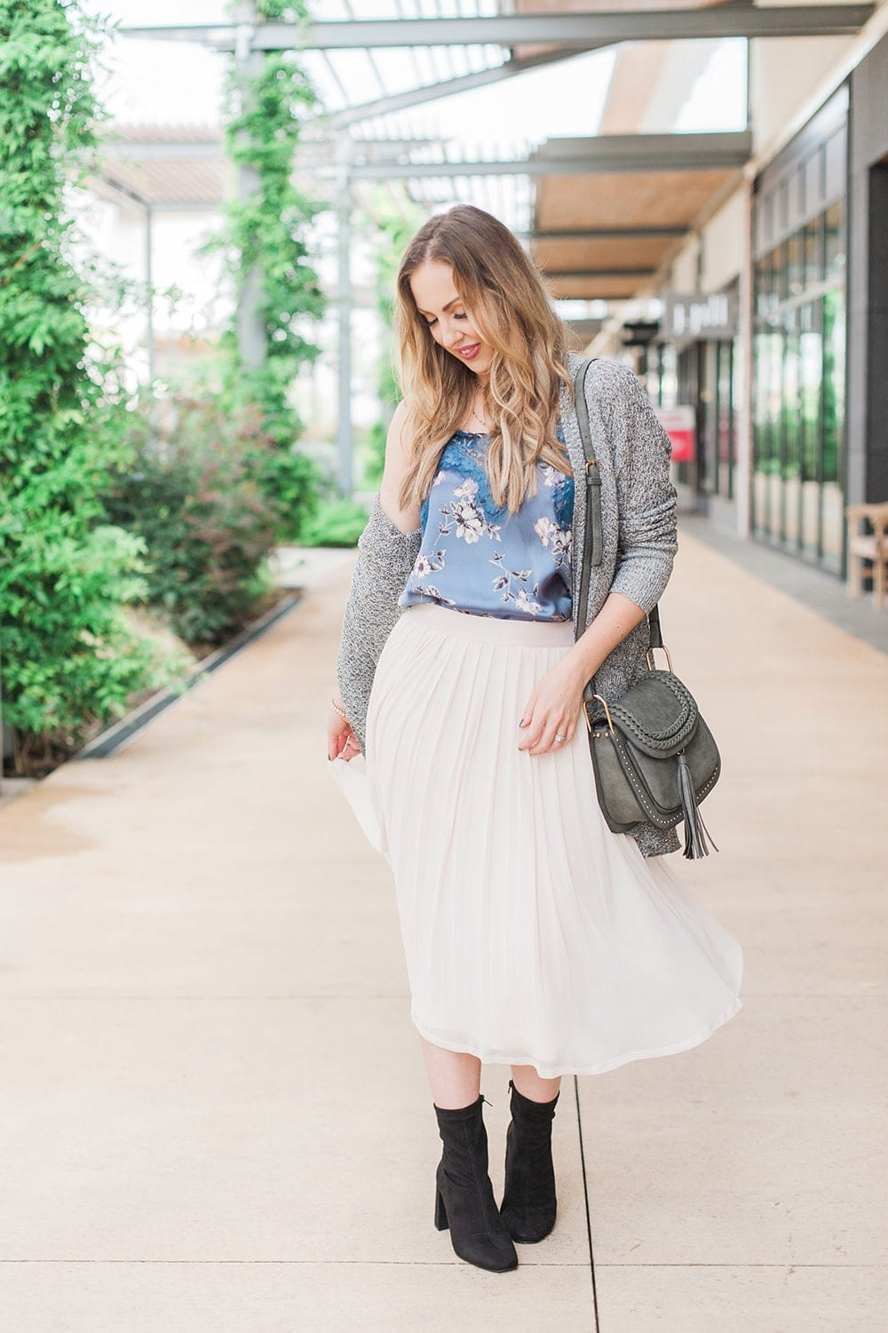 fall floral outfit with pleated skirt
