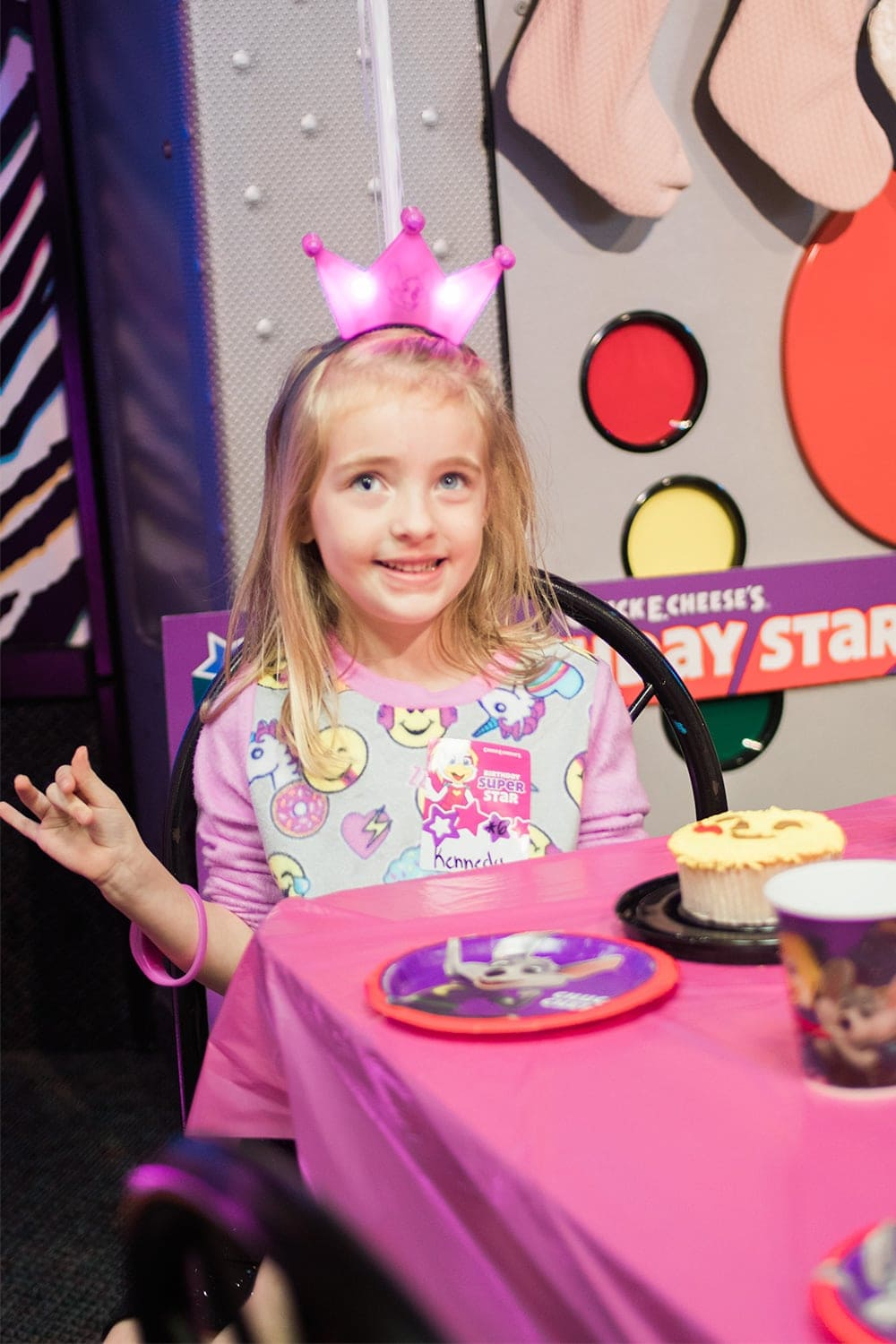 kids birthday party at Chuck E. Cheese