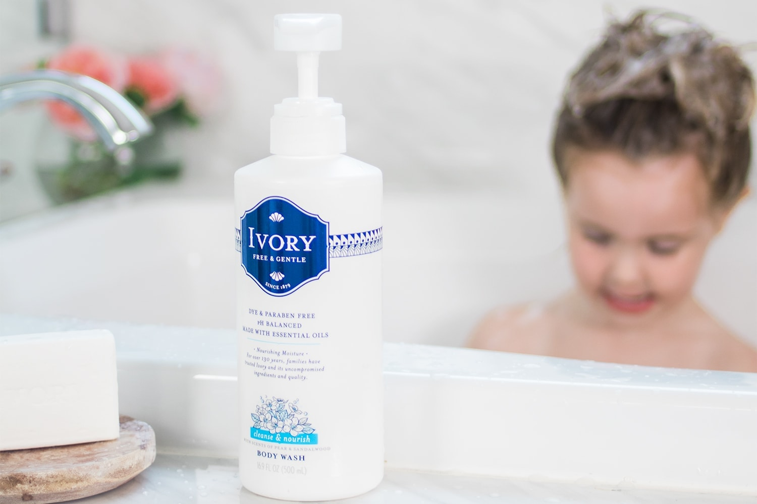 Houston blogger Meg O. on the Go shares about bath time independence tips for kids, and how Ivory soap is great for the whole family