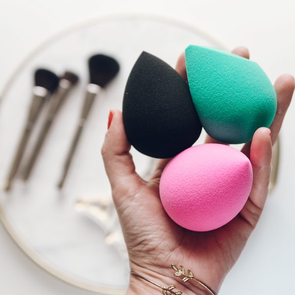 The 5 Best Beauty Blender Dupes (All on Amazon!)