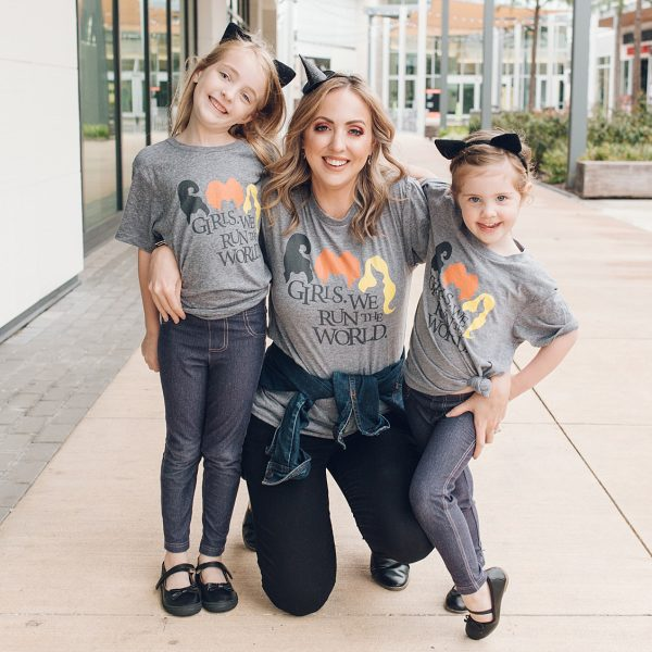 Mommy and me Hocus Pocus tees from Houston mommy blogger Meg O. on the Go