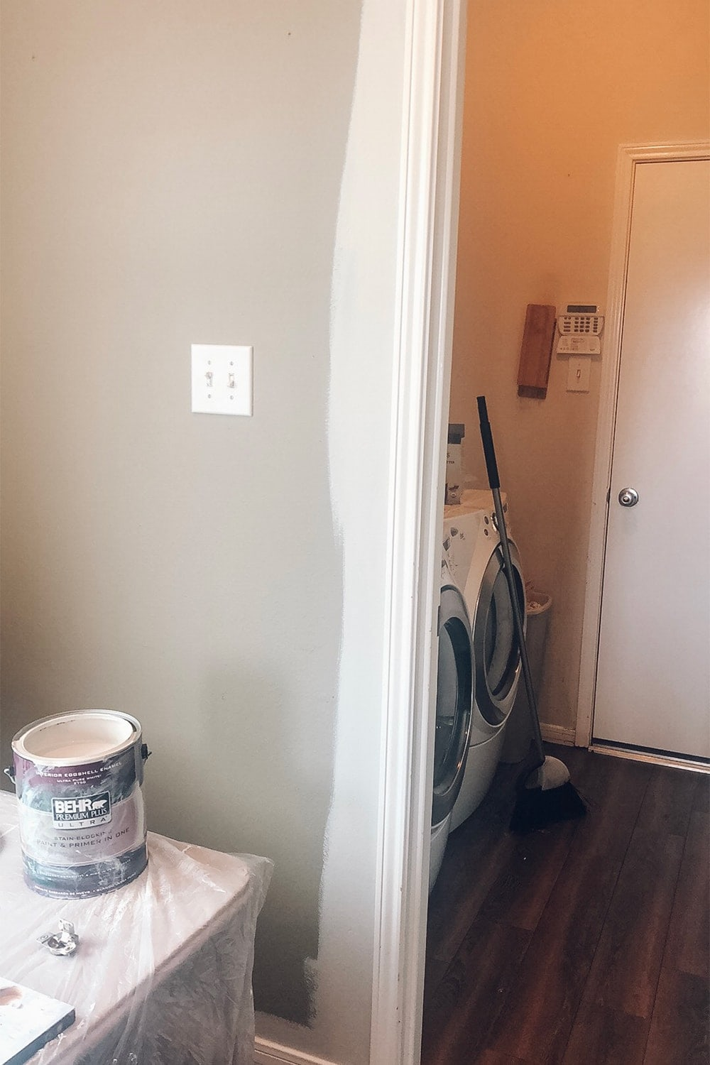Houston blogger Meg O. on the Go shares how she painted her entire kitchen including the cabinets and backsplash for under $250