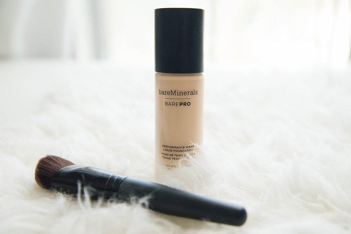 Houston beauty blogger Meg O. on the Go shares the best of bare minerals makeup - barePro Liquid Foundation
