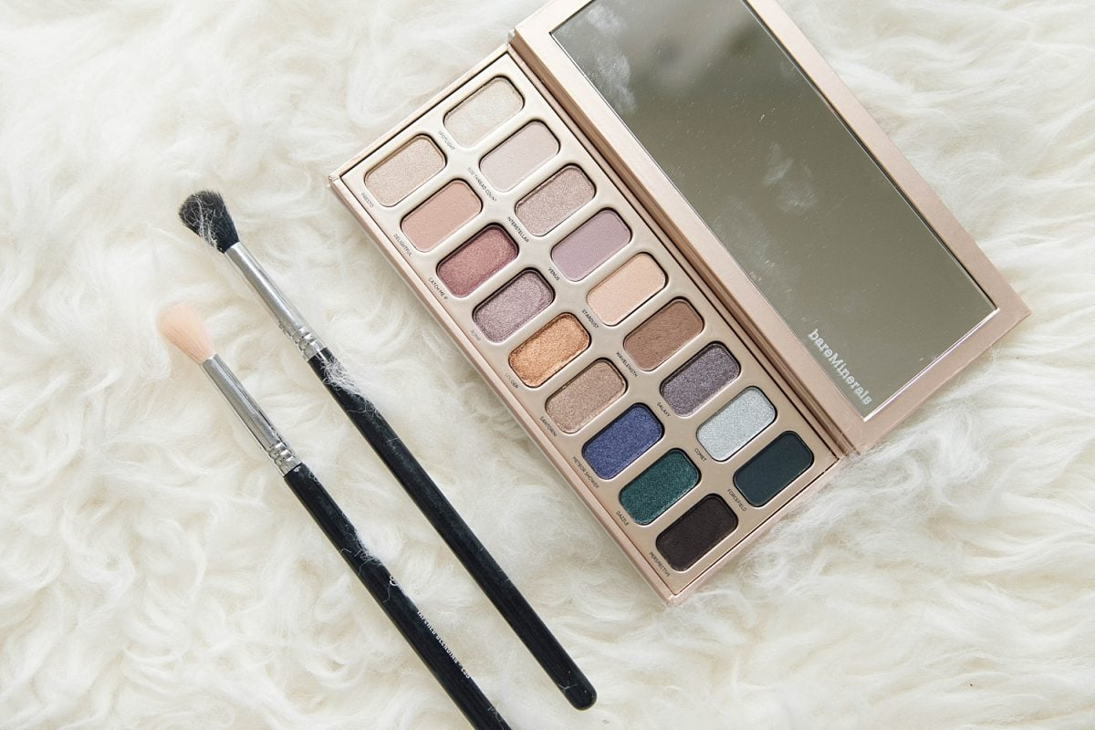 Houston beauty blogger Meg O. on the Go shares the best of bare minerals makeup - Aurora lights eyeshadow palette