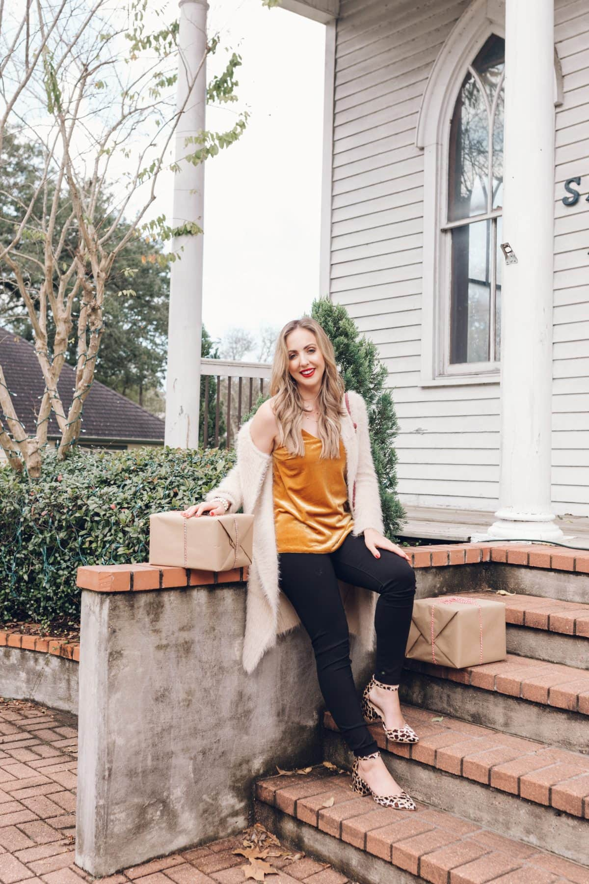 Houston blogger Meg O. on the Go shares a beautiful holiday outfit from Evereve