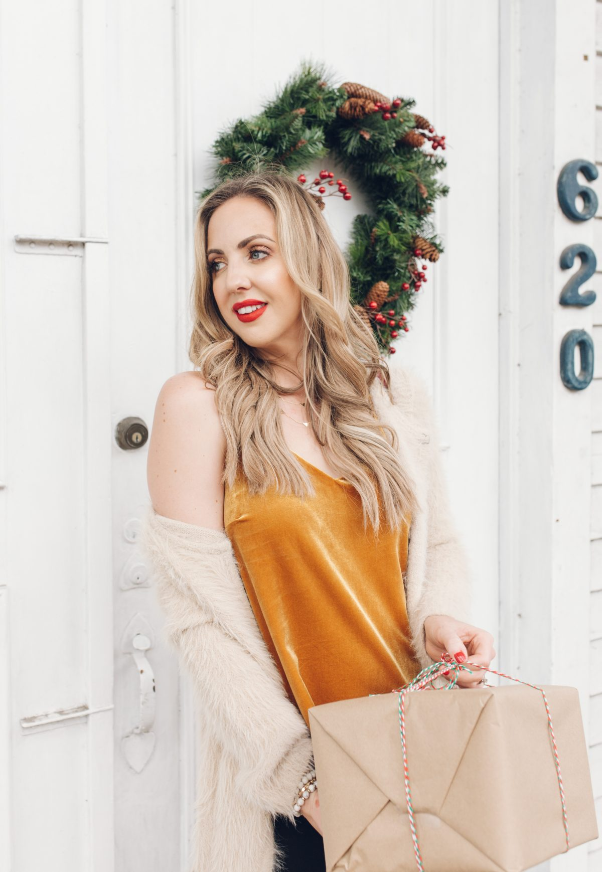 Houston lifestyle blogger Meg O. on the Go shares the importance of doing the holidays your way, and sharing two holiday looks from Evereve