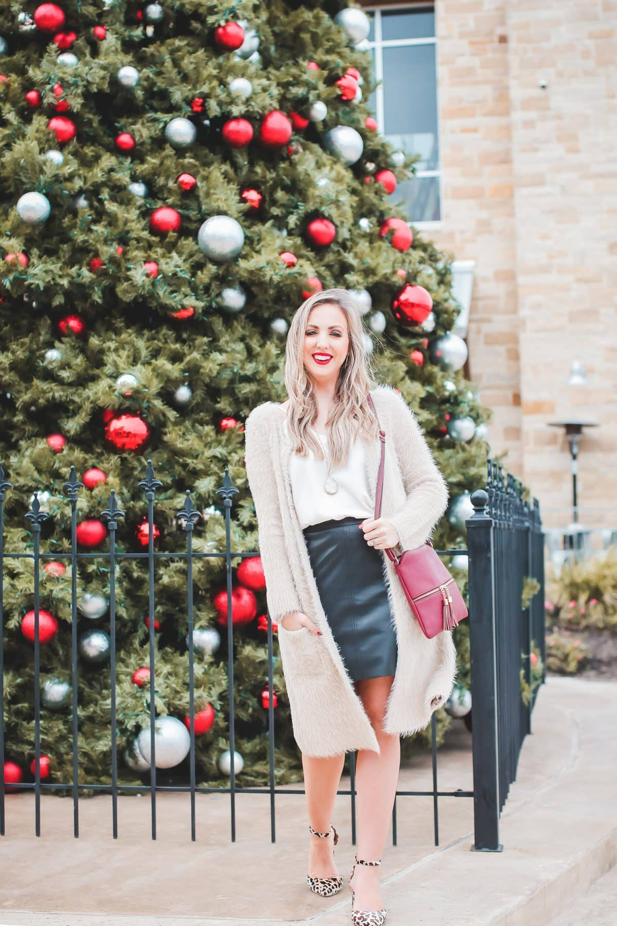 Houston blogger Meg O. on the Go shares her holiday blogger lunch at Boardwalk Towne Lake in Cypress
