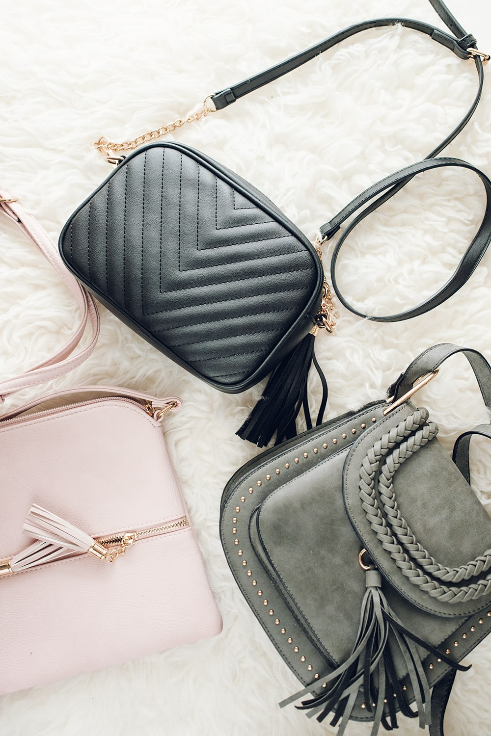 Houston lifestyle blogger Meg O. shares 5 cute and cheap Amazon purses - all under $40!
