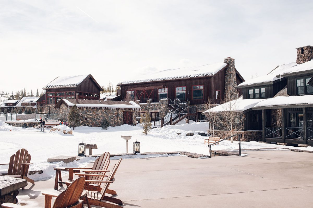Houston blogger Meg O. shares a travel guide for her family ski trip to Colorado - Devil's Thumb Ranch is a must-visit!