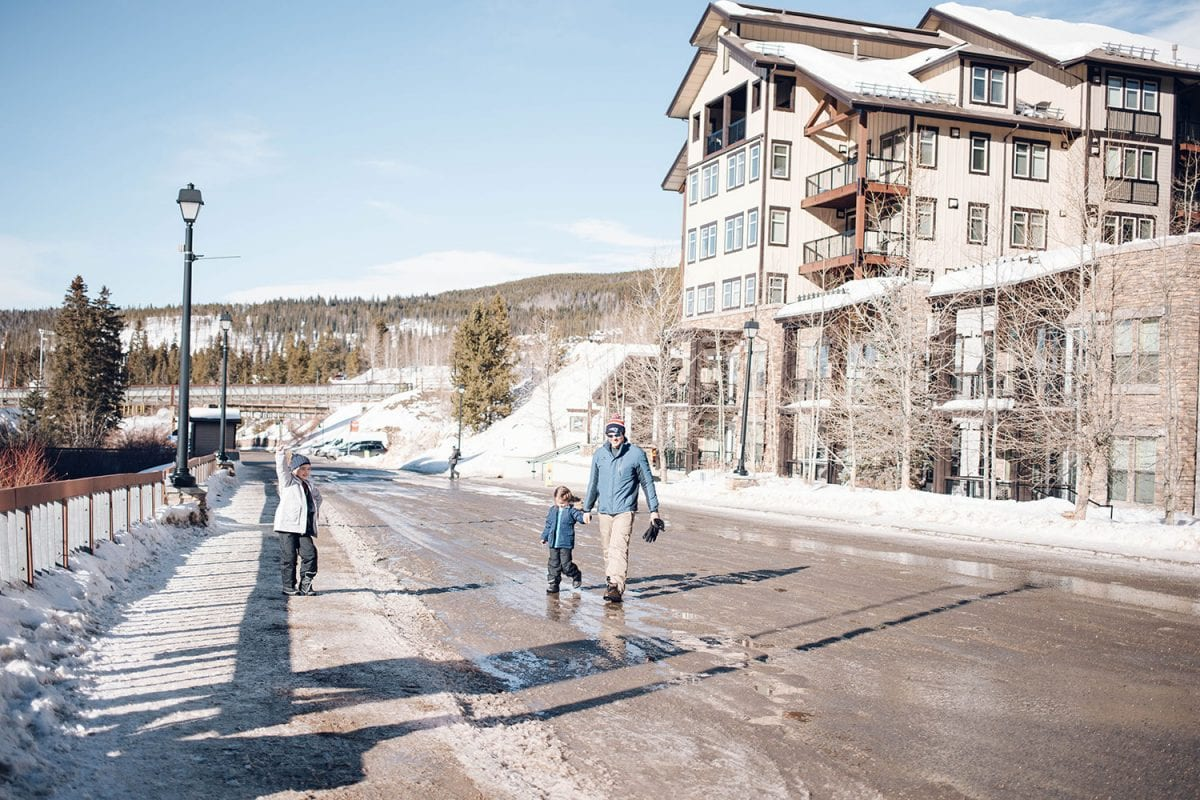 Houston blogger Meg O. shares her ski trip with kids to Winter Park Colorado - Where to stay at Winter Park Resort - Fraser Crossing Founders Point