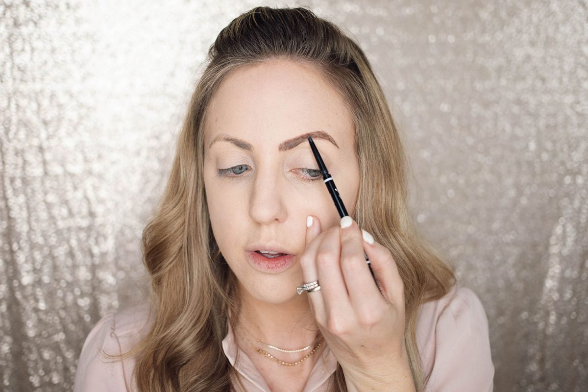 Houston beauty blogger Meg O. shares a spring makeup look - achieve dewy skin and glossy lips! NYX Micro Brow pencil for perfectly defined brows