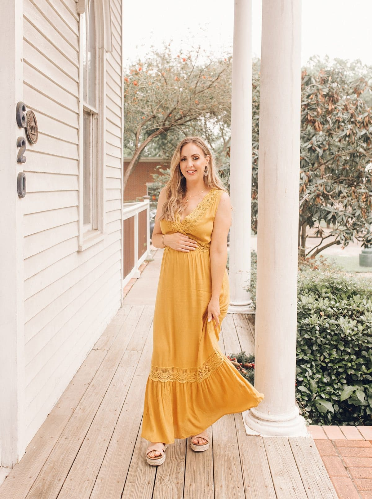 Houston mommy blogger Meg O. on the Go shares pretty dresses to wear this Mother's Day and all spring and summer - maxi dresses are wonderful for expecting mamas