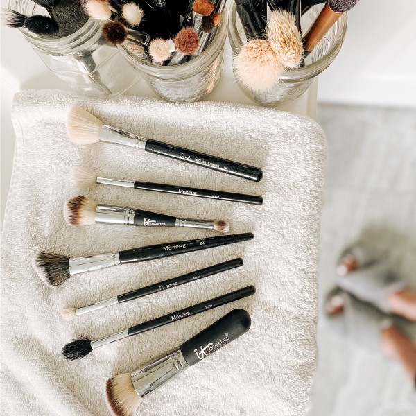 How to Clean Your Makeup Brushes and Sponges – 2 Easy Ways