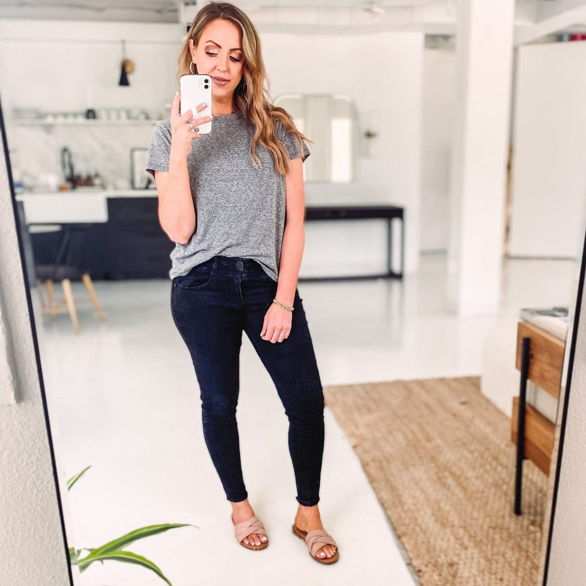 Houston blogger Meg O. shares cute Amazon sandals for summer 2021.
