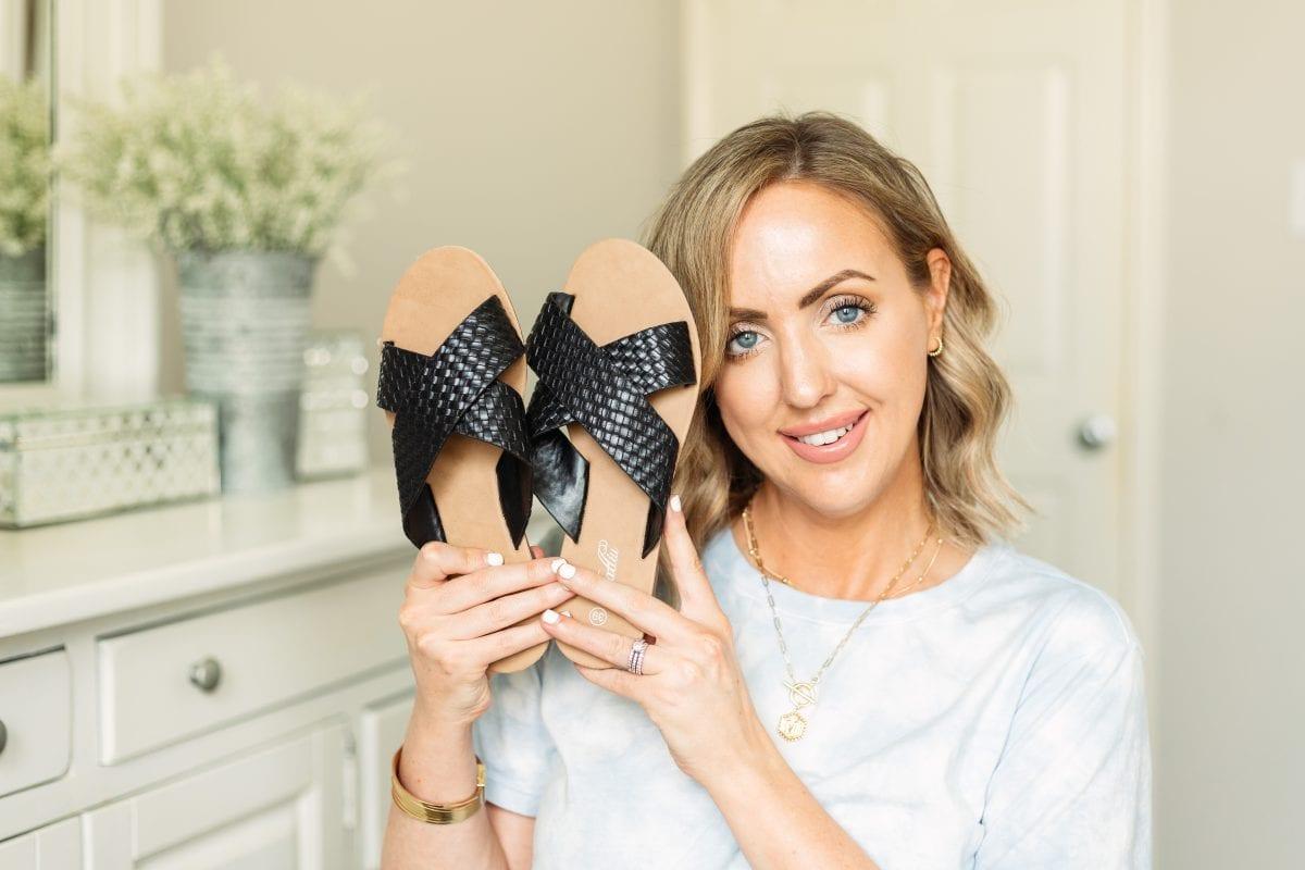 Texas influencer Meg O. shares cute Amazon sandals for summer 2021. Love these Amazon black criss cross slide sandals